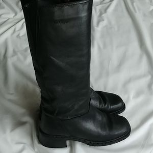 College leather riding boots